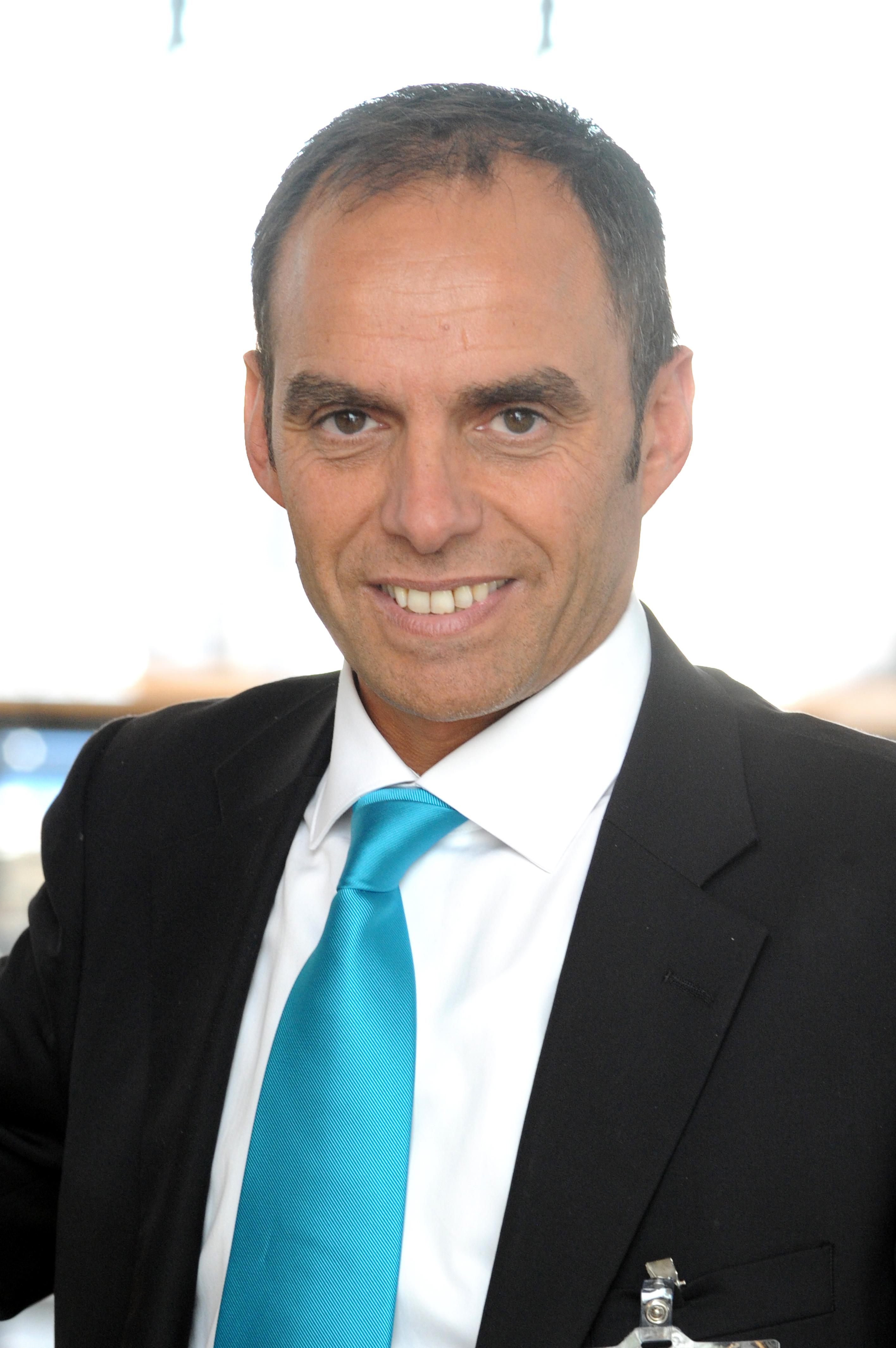 Daniel dahan direttore vendite benelux di farnell for Case logic italia